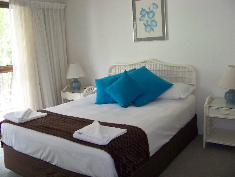 Old Burleigh Court Holiday Apartments - Accommodation QLD