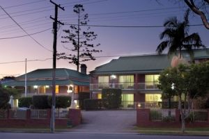 Aabon Holiday Apartments  Motel - Accommodation QLD