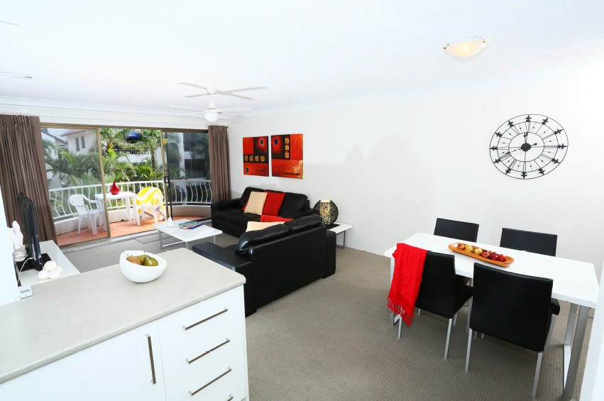 St Tropez Holiday Apartments - Accommodation QLD
