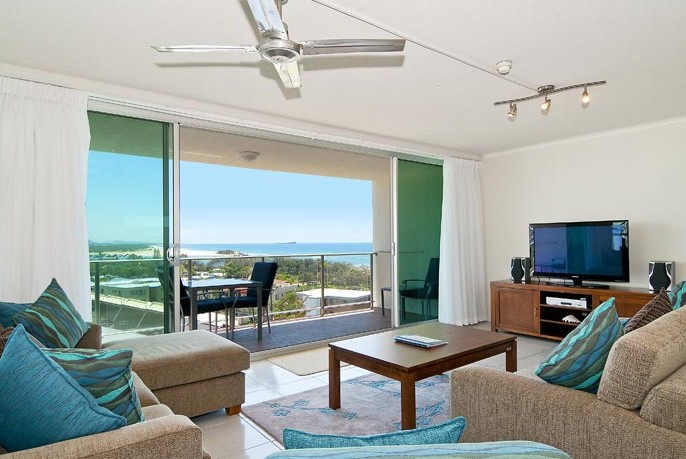 Chateau Royale Beach Resort - Accommodation QLD