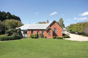 Woodend Old School House Bed and Breakfast - Accommodation QLD