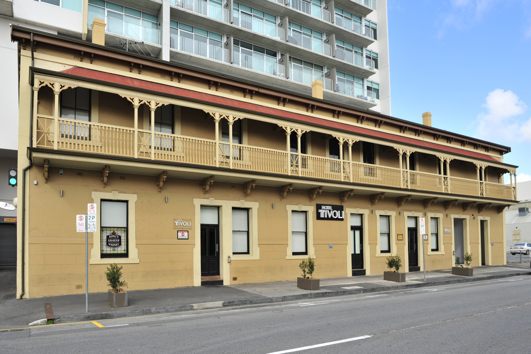 Hotel Tivoli - Accommodation QLD
