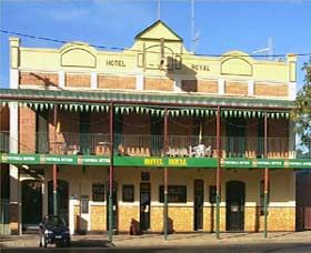 Royal Hotel Coonabarabran - Accommodation QLD