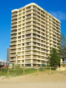 Breakers North Beachfront Apartments - Accommodation QLD