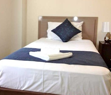 Lees Hotel Motel - Accommodation QLD