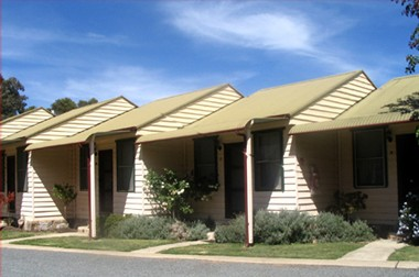 The Village Cabins - Accommodation QLD