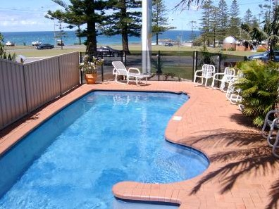 Beach House Holiday Apartments - Accommodation QLD