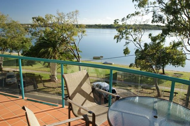The Esplanade Picnic Point - Accommodation QLD