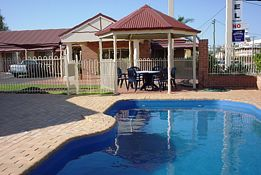Roma Mid Town Motor Inn - Accommodation QLD
