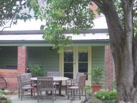 Bell Cottage - Accommodation QLD