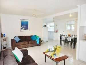 Lucinda Holiday Rentals  - Accommodation QLD