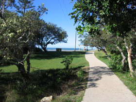 Raintrees On Moffat Beach - Accommodation QLD
