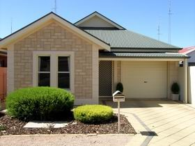 Kadina Luxury Villas - Accommodation QLD