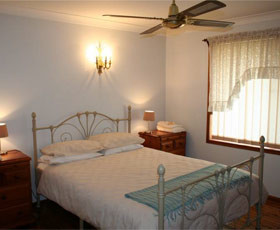 Caits Cottage Bed And Breakfast - Accommodation QLD