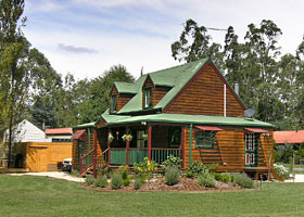 Mystic Mountains Holiday Cottages - Accommodation QLD