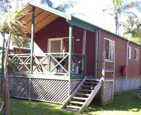 A Paradise Park Cabins - Accommodation QLD