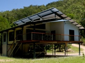 Creek Valley Rainforest Retreat - Accommodation QLD