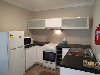 Dungowan Waterfront Apartments - Accommodation QLD