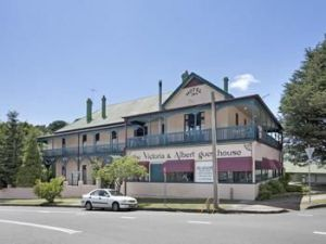 The Victoria amp Albert Guesthouse - Accommodation QLD