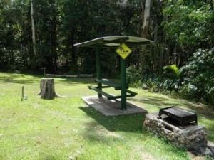 Mapleton Cabins amp Caravan Park - Accommodation QLD