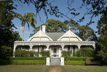 The Villa - Country House Retreat - Accommodation QLD