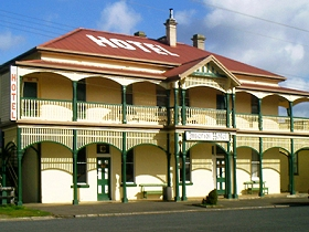 Imperial Hotel - Accommodation QLD