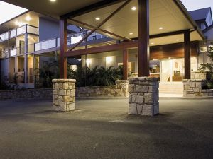 Mercure Clear Mountain Lodge Spa and Vineyard - Accommodation QLD