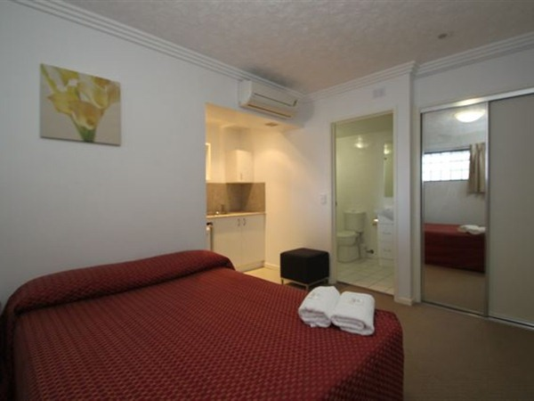 Southern Cross Motel and Serviced Apartments - Accommodation QLD