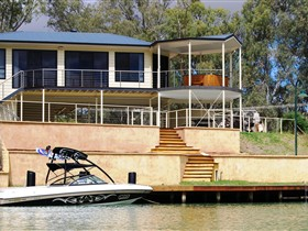 Cascades on the River - Accommodation QLD