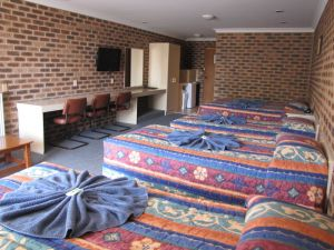 Big Trout Motor Inn - Accommodation QLD
