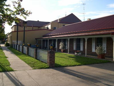 Club Motel - Accommodation QLD