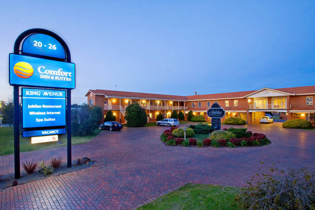 Comfort Inn  Suites King Avenue - Accommodation QLD