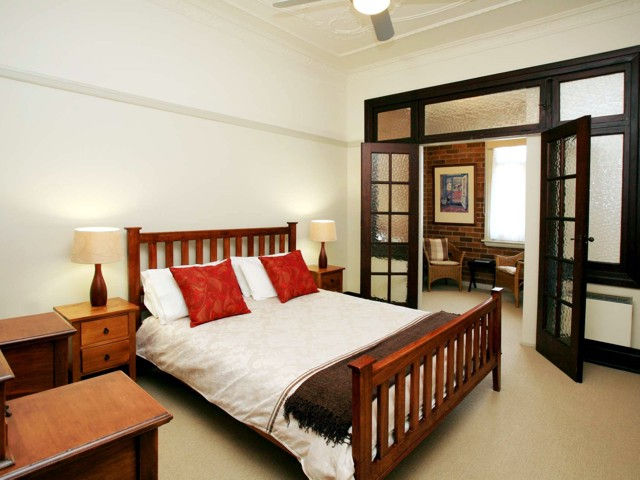 The Bank Guesthouse - Accommodation QLD
