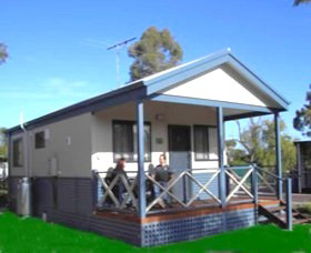 Pinjarra Cabins and Caravan Park - Accommodation QLD