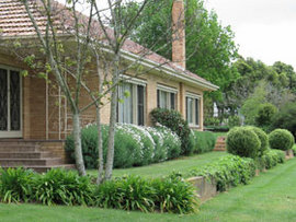 Westgate Vineyard Country House - Accommodation QLD