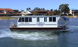 Dolphin Houseboat Holidays - Accommodation QLD