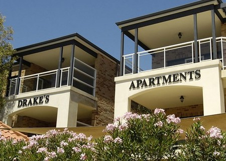 Drakes Apartments with Cars - Accommodation QLD