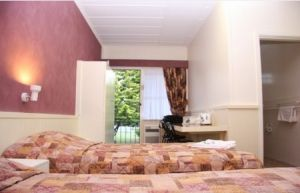 Titania Motel - Accommodation QLD