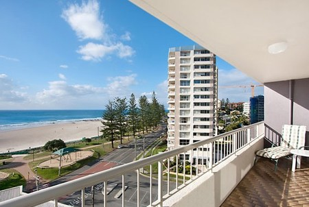 Eden Tower Holiday Apartments - Accommodation QLD