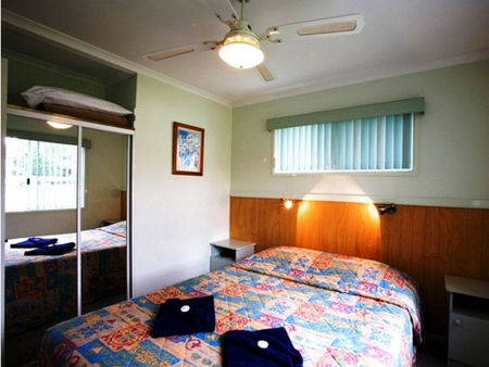 Perth Vineyards Holiday Park - Accommodation QLD