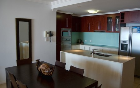 Waters Edge Apartments Cairns - Accommodation QLD