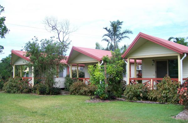 Flying Fish Point Tourist Park - Accommodation QLD