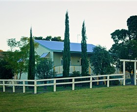 Milford Country Cottages - Accommodation QLD