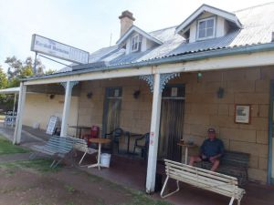 Marshall McMahon Inn - Accommodation QLD
