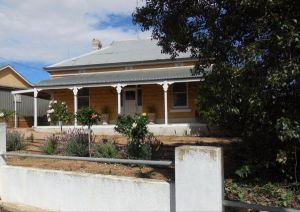 Book Keepers Cottage Waikerie - Accommodation QLD
