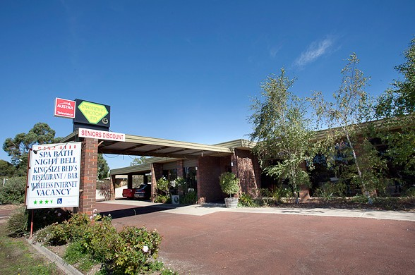 Statesman Motor Inn - Accommodation QLD
