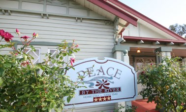 Peace By The River Homestay - Accommodation QLD