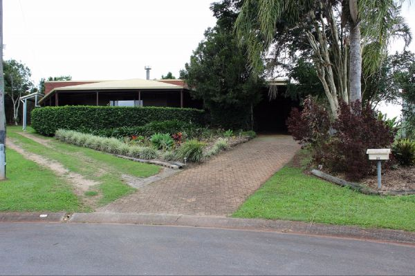 3 Bedroom Holiday House - Accommodation QLD