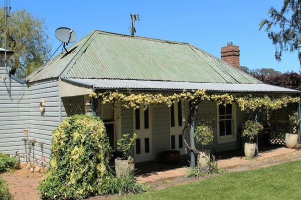 Drayshed Cottage - Accommodation QLD