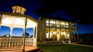 Rose Eden House at Goolwa - Accommodation QLD